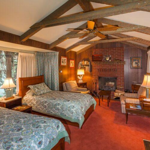 Lindsays-Room